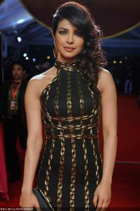 Bollywood-diva-Priyanka-Chopra-poses-for-the-cameras-on-the-red-carpet-of-the-inaugural-Times-of-India-Film-Awards-in-Vancouver-Canada